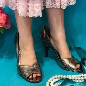 🌷EUC!! Gianni Bini Silver Metalic Peep Toe Heels